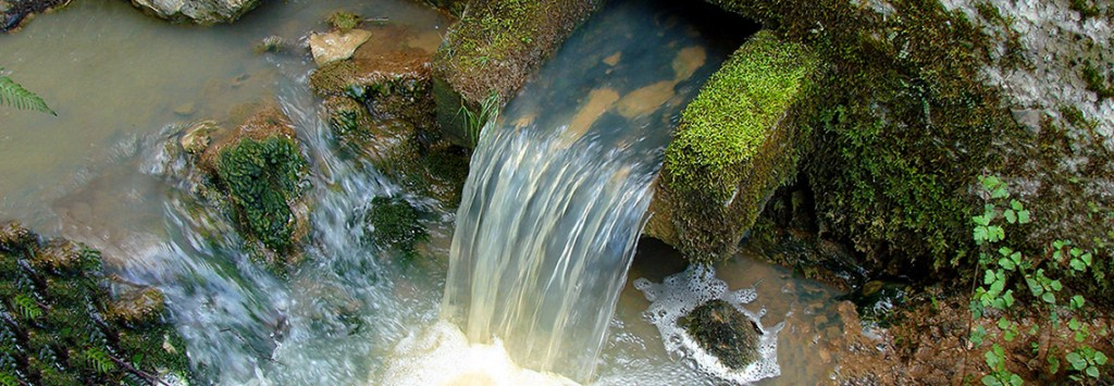 Reservoir-sous-les-roches-2